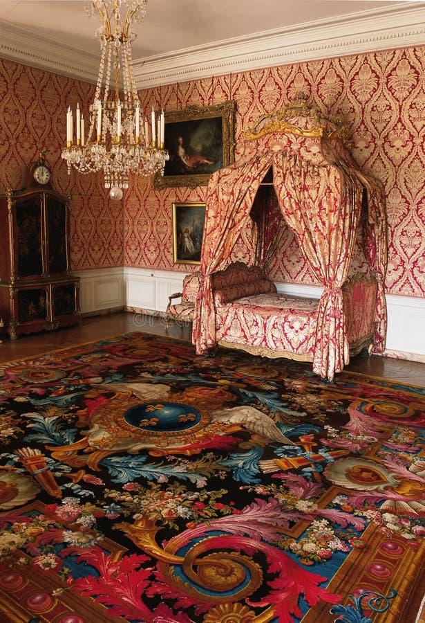 Kleine ruimte, vier affichebed, en deken bij het Paleis van Versailles royalty-vrije stock afbeeldingen