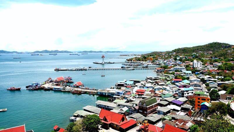 Kleine stad op het eiland royalty-vrije stock afbeelding