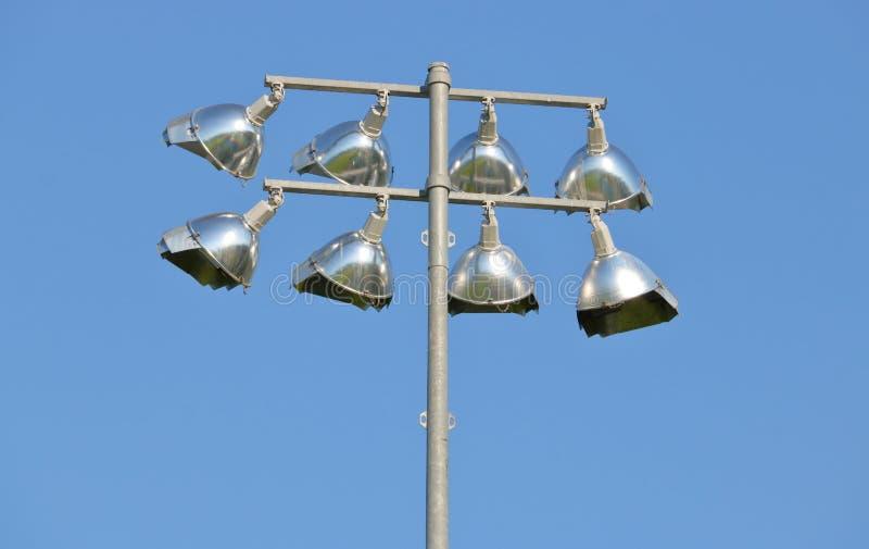 Kleine Stadions-Flut-Lichter stockbild