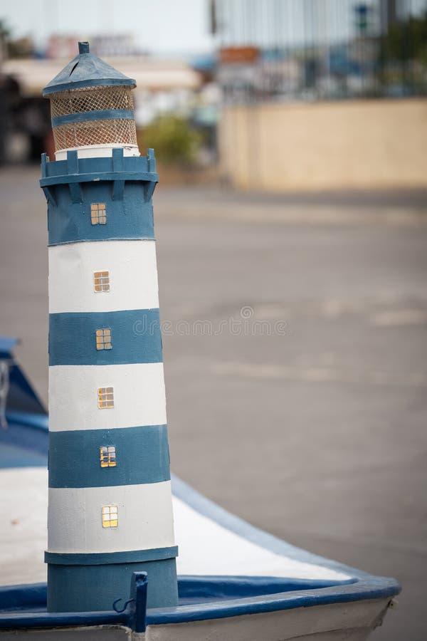 Kleine Statue des Leuchtturmes stockbild