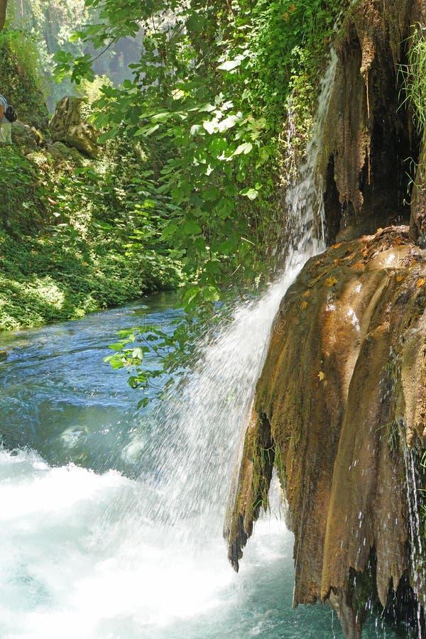 Kleine Ströme verbinden den Duden-Fluss stockfotografie