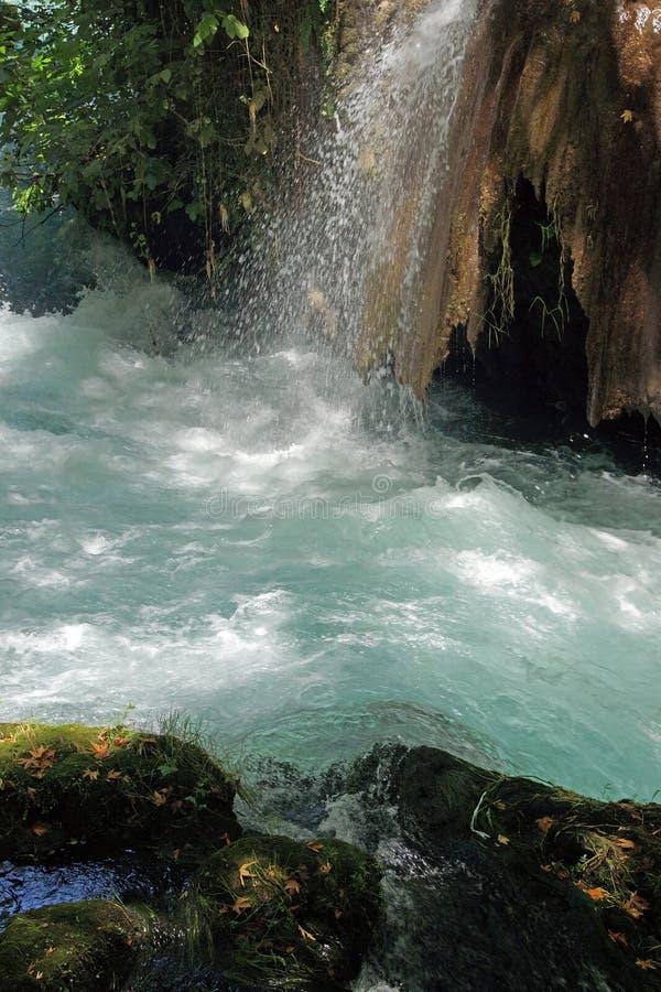 Kleine Ströme verbinden den Duden-Fluss stockfoto