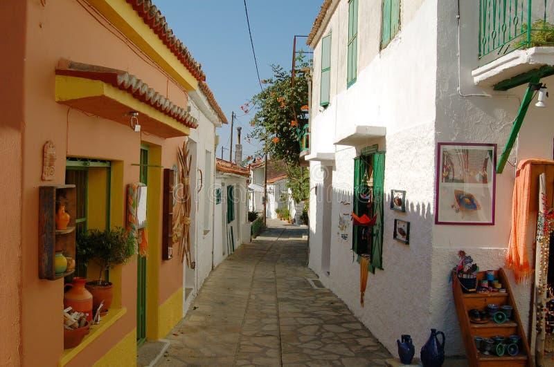 Kleine Straße in Griechenland lizenzfreie stockfotografie