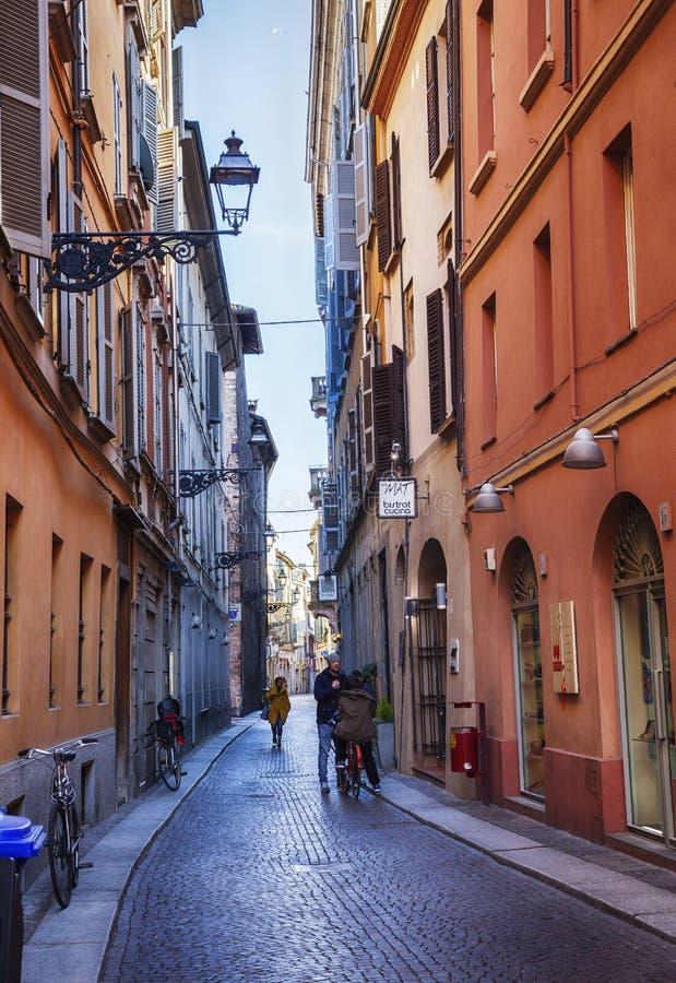 Kleine Straße in Parma, Italien, nahe Bolobna-Stadt stockfotografie