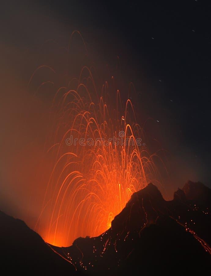 Kleine Strombolian Eruption stockbilder