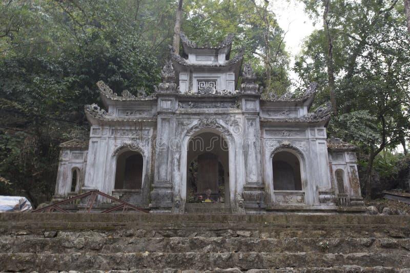Kleine tempel op het gebied van Ninh Binh royalty-vrije stock foto's