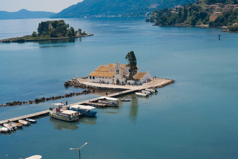 Kleine traditionelle Kapelle in Korfu-Insel lizenzfreies stockfoto