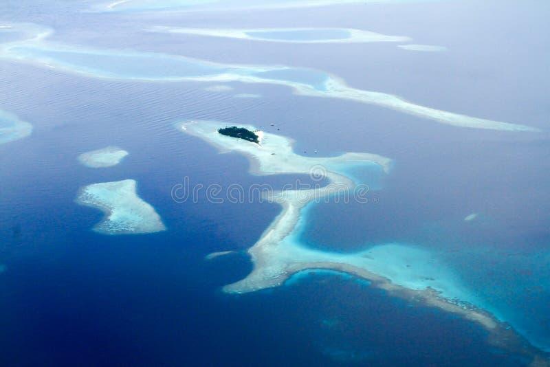 Kleine Tropische Eilanden van hierboven royalty-vrije stock afbeelding