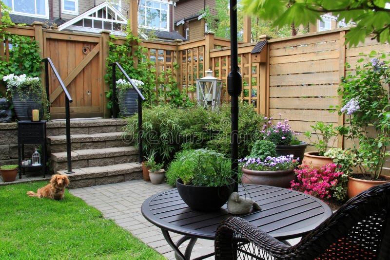 Kleine tuin royalty-vrije stock afbeeldingen
