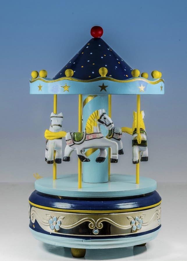Kleine uitstekende stuk speelgoed carrousel royalty-vrije stock foto