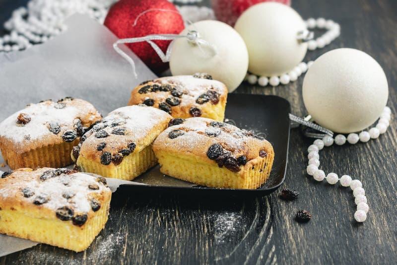 Kleine vruchtencakes voor Kerstmisdiner royalty-vrije stock fotografie