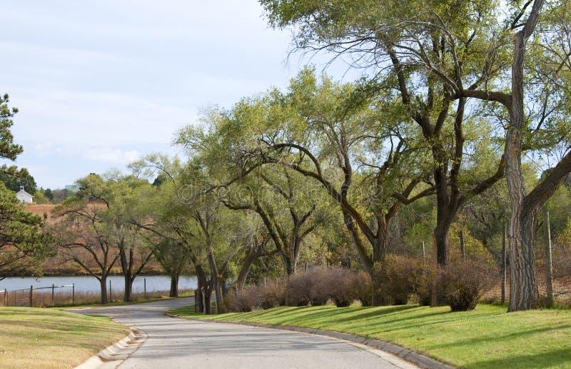 Kleine Weg in het Park van Pioniers in Lincoln, Ne stock fotografie