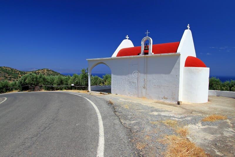 Kleine Witte Kerk Aan De Wegkant Van Kreta Royalty-vrije Stock Foto
