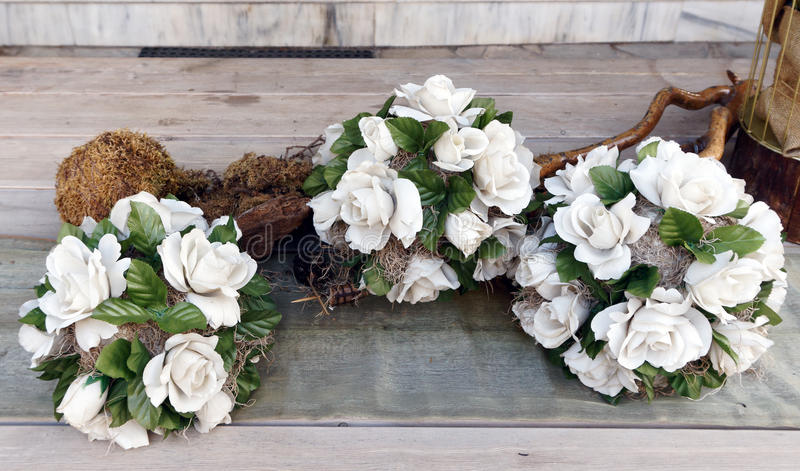 Kleine Witte Rose Wreaths royalty-vrije stock foto's