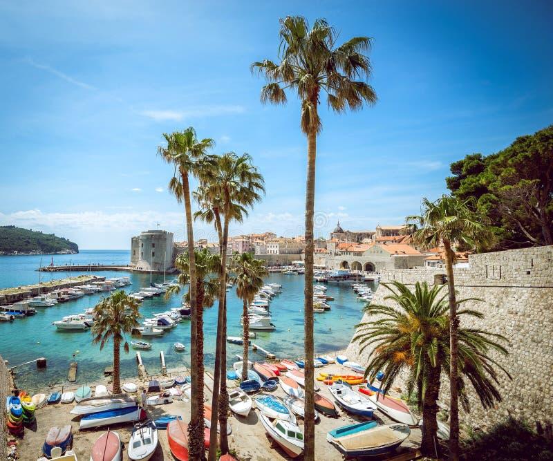 Kleiner Hafen Dubrovniks stockbild