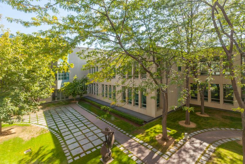 Kleiner innerer Garten des Parlamentsgebäudes, Canberra lizenzfreie stockfotografie
