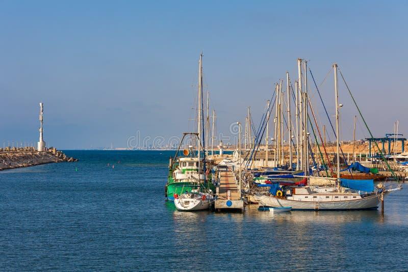 Kleiner Jachthafen in Ashqelon, Israel stockbild