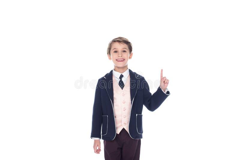 kleiner Junge, der Idee hat und oben zeigt, stockfotos