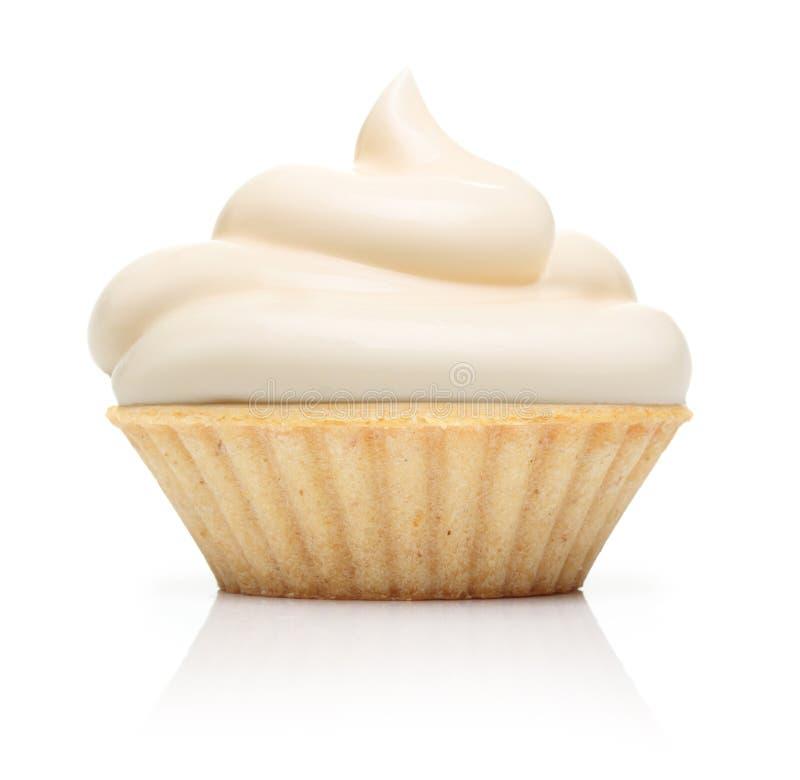 Kleiner Kuchen mit Buttercreme und -himbeere stockbild