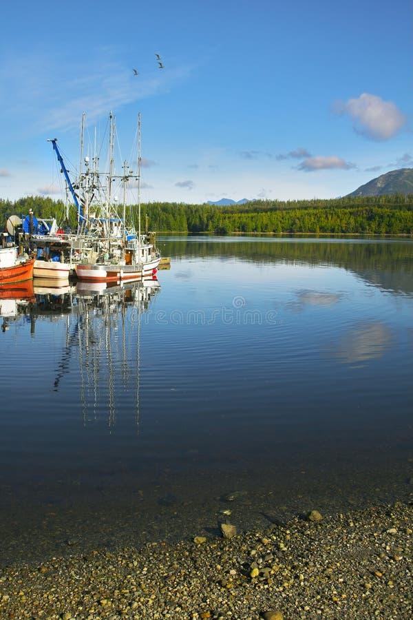 Kleiner malerischer Seehafen stockfotos