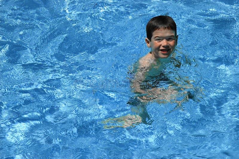 Kleiner Schwimmer lizenzfreie stockbilder