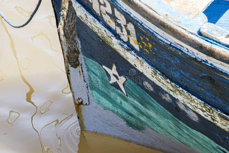 Kleines blaues Fischerboot stockbilder