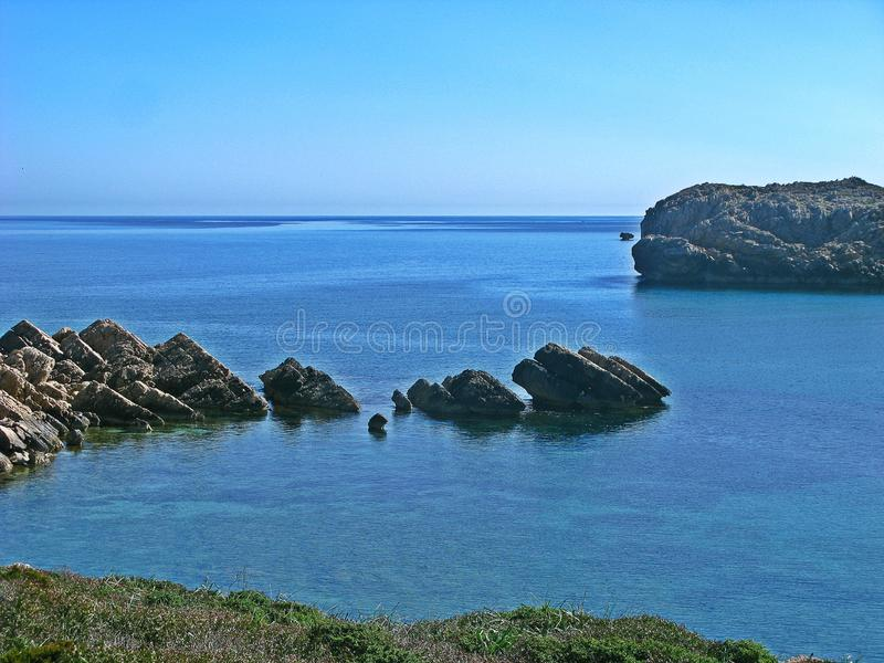 Kleines Cala im Sohn-Park, Menorca lizenzfreies stockbild
