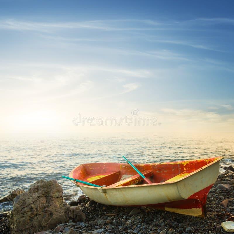 Kleines elegantes Boot stockfotos