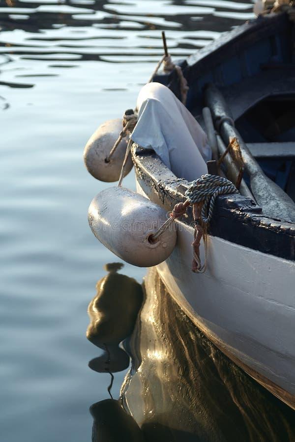 Kleines Fischerboot stockbilder