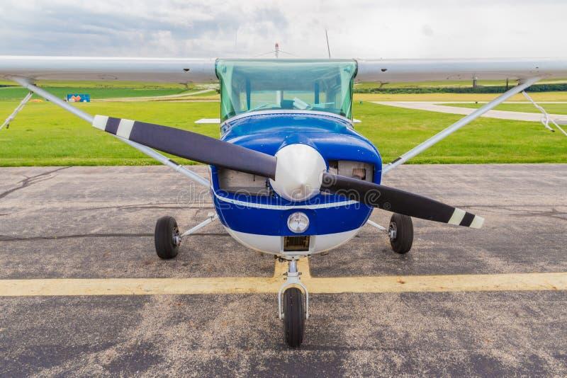 Kleines Flugzeug Front Nose View stockbilder