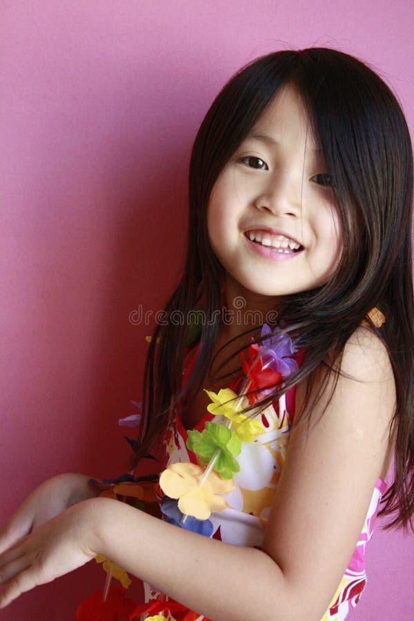Kleines hawaiisches Mädchentanzen stockbilder