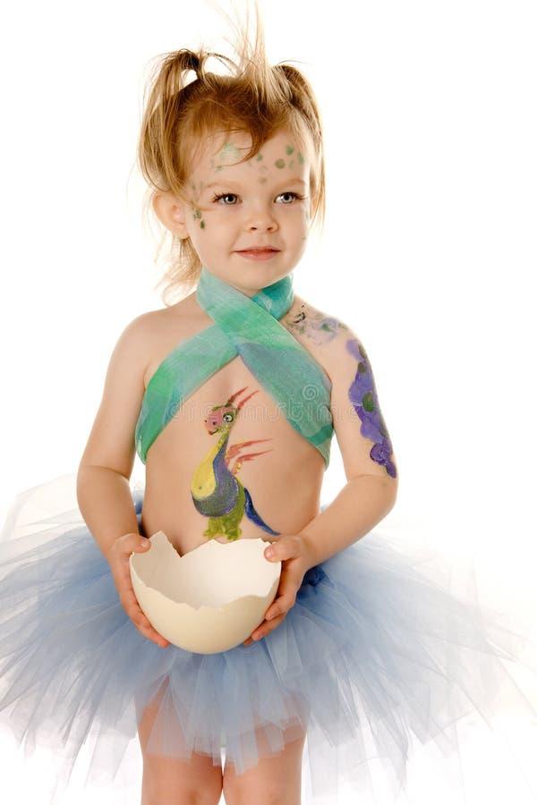 Kleines Kind mit gemalter Karosserie lizenzfreies stockfoto