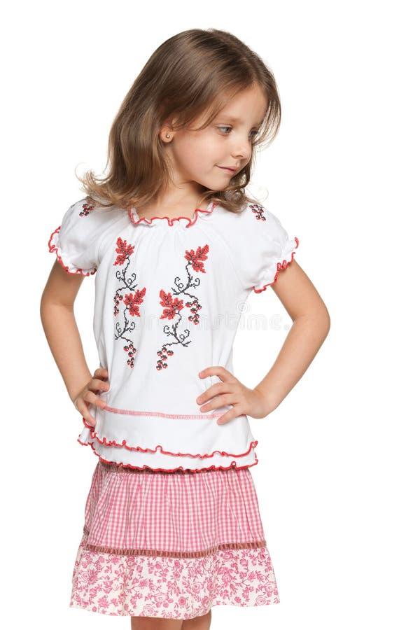 Kleines lächelndes ukrainisches Mädchen lizenzfreie stockfotos