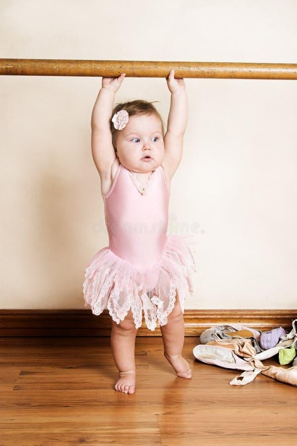 Download Kleines Mädchen stockfoto. Bild von klein, süß, kind, frau - 9088080