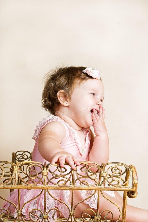 Download Kleines Mädchen stockfoto. Bild von nett, studio, trikotanzug - 9088174