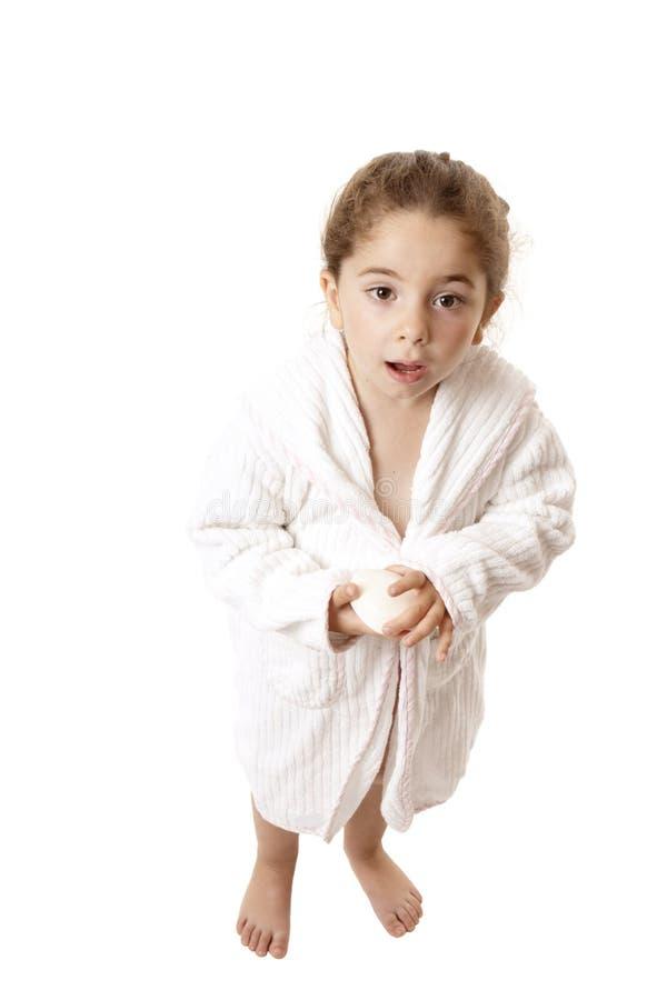 Kleines Mädchen betriebsbereit zur Dusche oder zum Bad lizenzfreies stockfoto