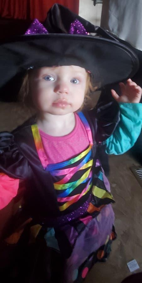Kleines Mädchen bezaubern stockbilder