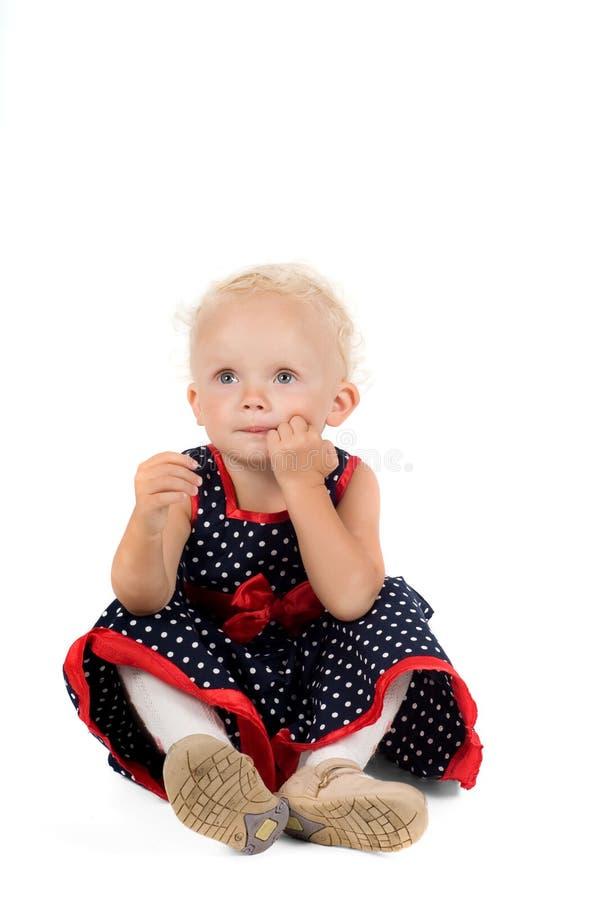 Kleines Mädchen im Studio lizenzfreie stockbilder