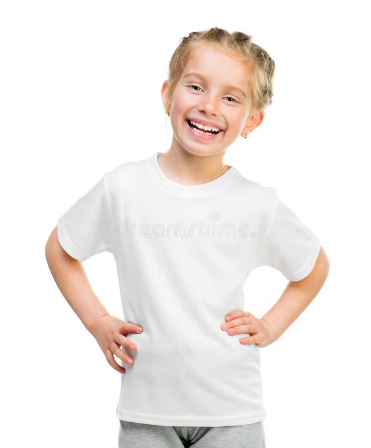 Kleines Mädchen im weißen T-Shirt lizenzfreie stockbilder
