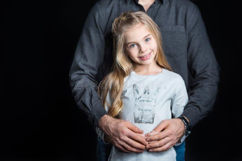 Kleines Mädchen mit ihrem Vater stockfotos