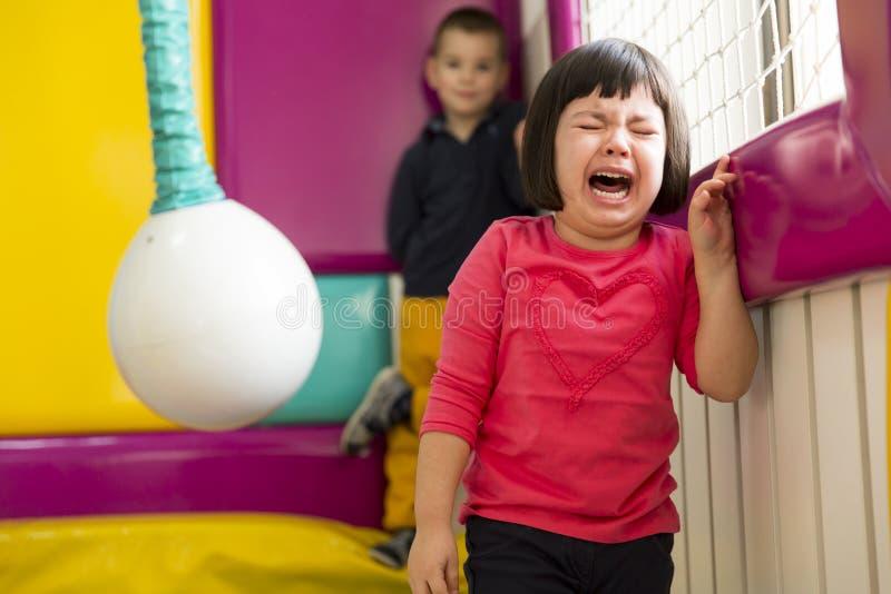 Kleines Mädchen-Schreien stockfotografie