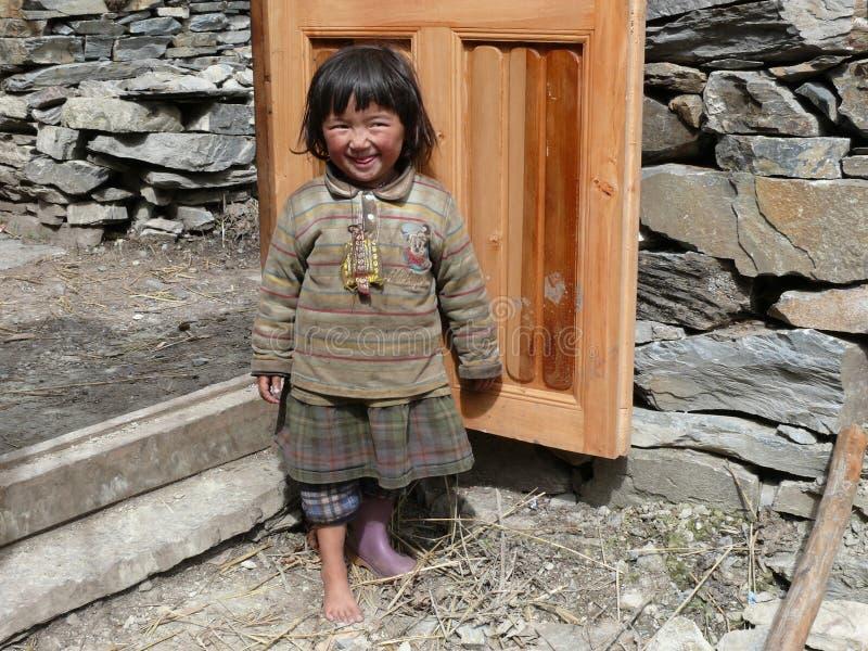 Kleines Mädchen von Nil - Tsum-Tal - Nepal stockbilder