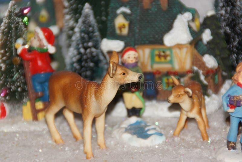 Kleines Miniaturdorf, verziert mit Weihnachten lizenzfreies stockbild