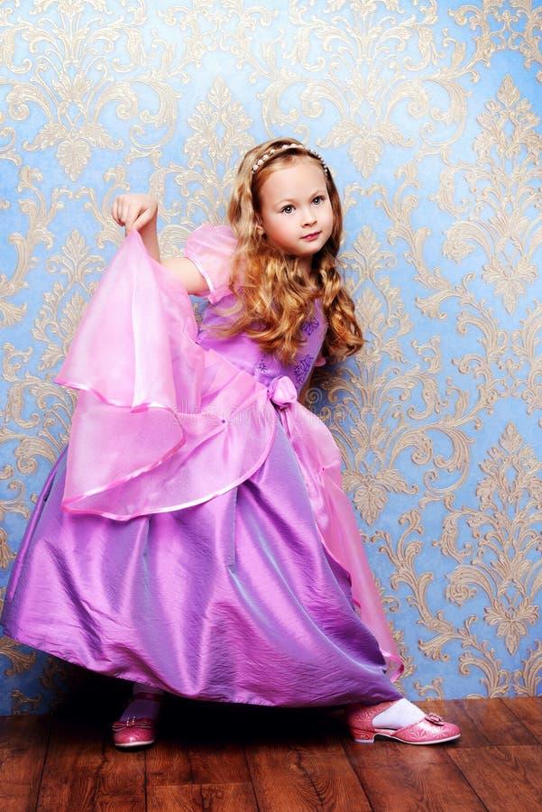 Kleines Modemädchen stockbilder