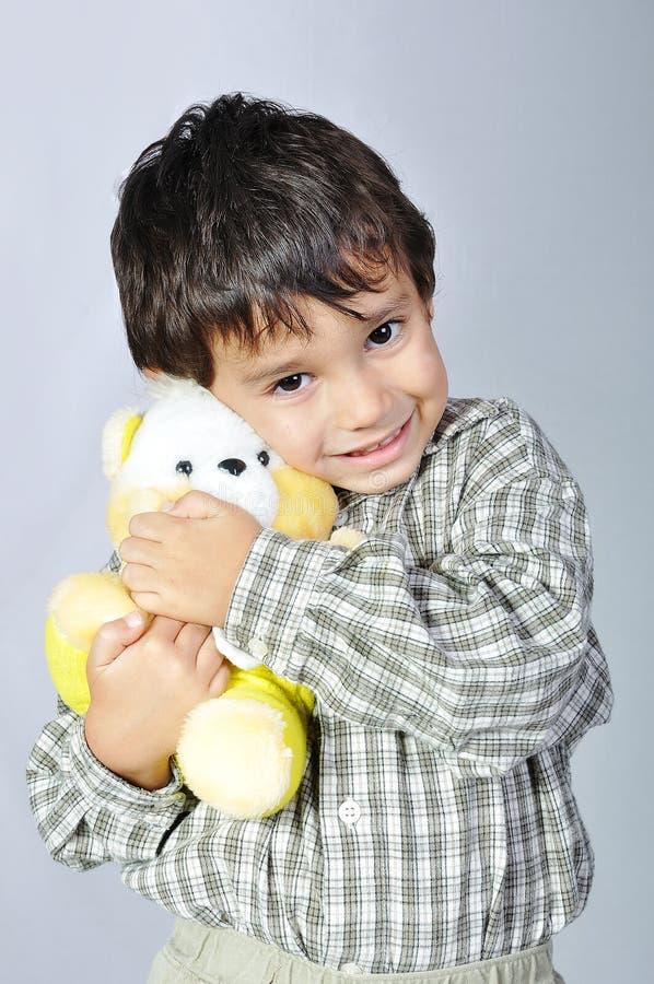 Kleines nettes glückliches Kind stockbild