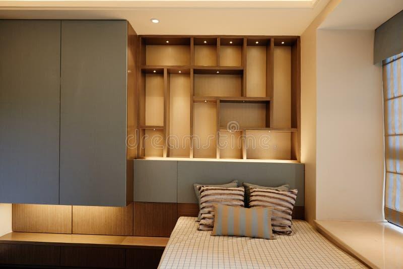 Kleines Schlafzimmer lizenzfreies stockbild