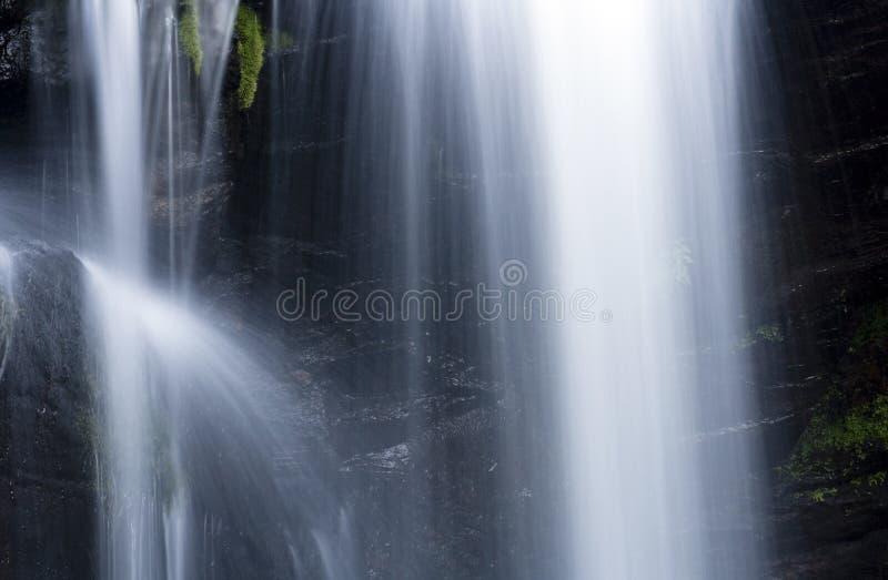 Kleines Teil des Wasserfalls lizenzfreie stockbilder