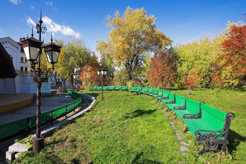 Kleines Theater der geöffneten Luft im Herbst stockbilder