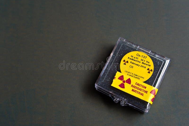 Kleines Zäsium radioaktiv stockfotos