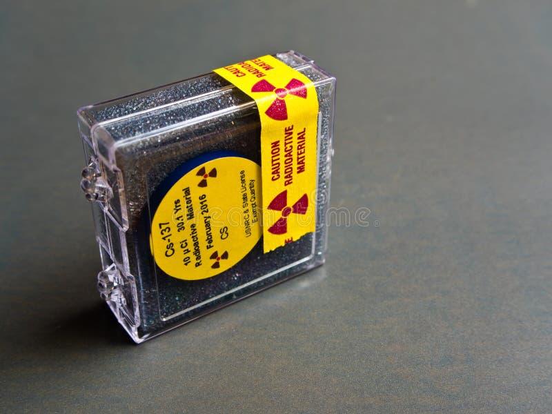 Kleines Zäsium radioaktiv lizenzfreie stockbilder